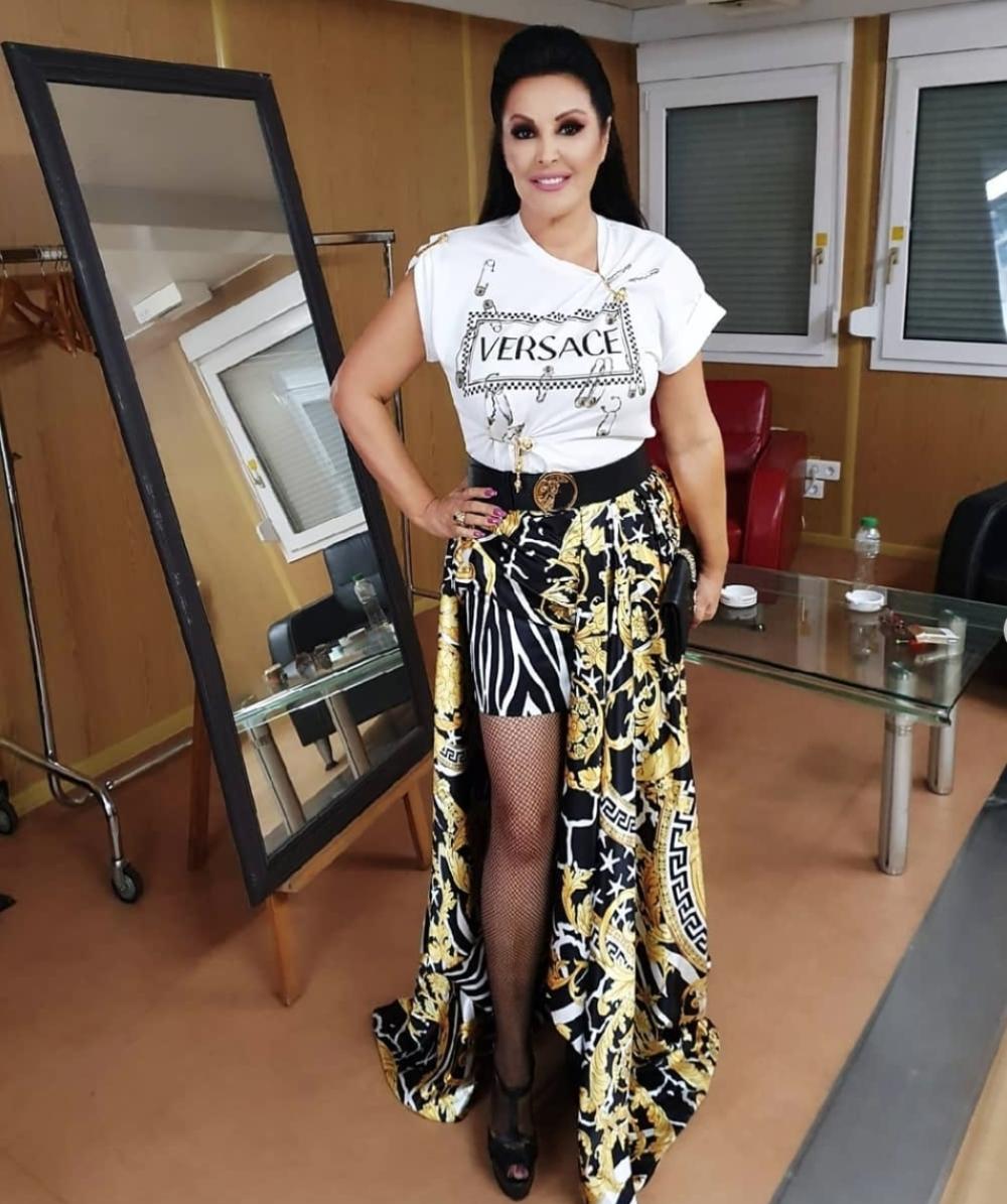Pašće vam vilica kada čujete koliko je Dragana pukla na haljinu! Kasnije ju  je isprljala u prašini! (FOTO/VIDEO) - alo.rs