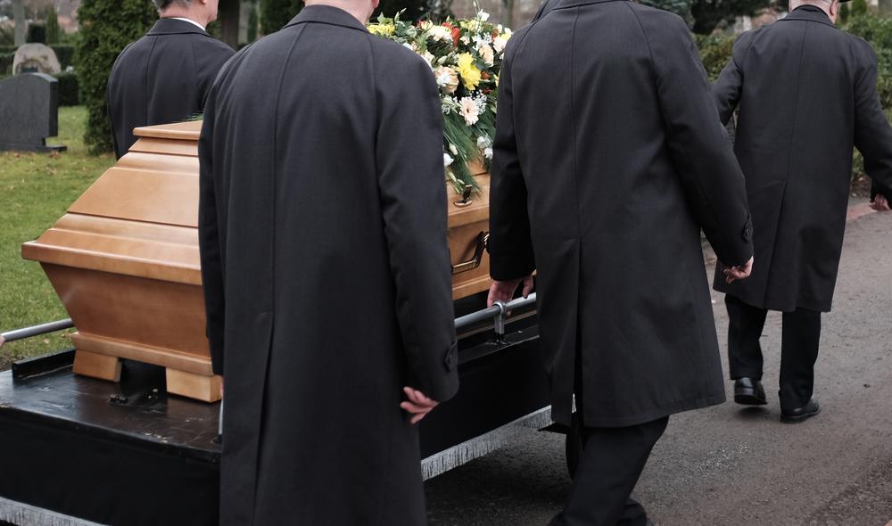 Pakovanje u crne kese preminulih HIV pozitivnih osoba da se zaustavi! Degradiranje najteže pada porodici!