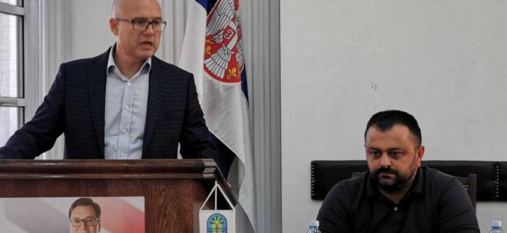Želimo da pojasnim èlanovima SNS koliko su neopravdani i netaèni navodi Ðilasa, Jeremiæa i Obradoviæa o bojkotu izbora