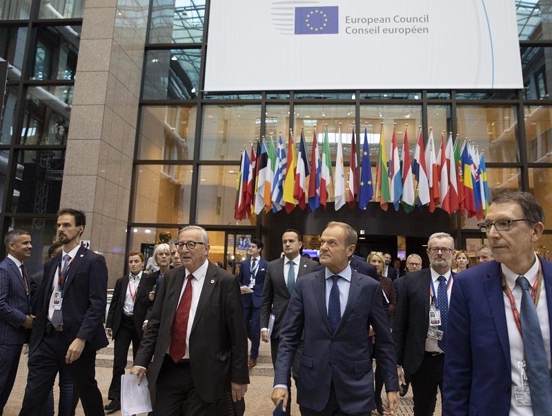 Kosovo je više deo Srbije, nego što je Katalonija deo Španije! Zašto NATO ne bombarduje Madrid 78 dana?