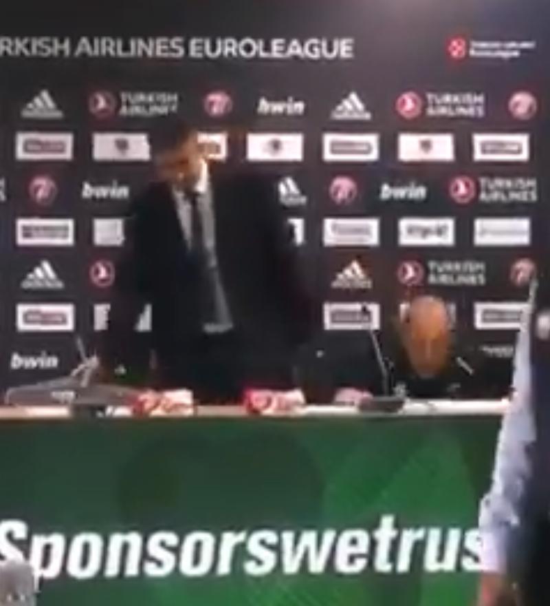 Posle pobede nad PAO, trener Armanija pao sa stolice, bukvalno! (VIDEO)