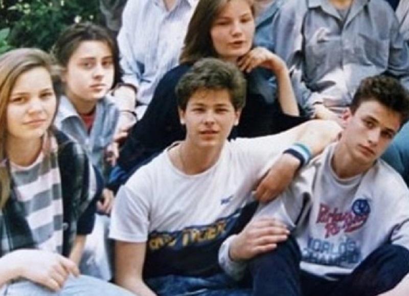 Srpski ministar objavio fotografiju iz mladosti, komentari žena se samo nižu! (FOTO)