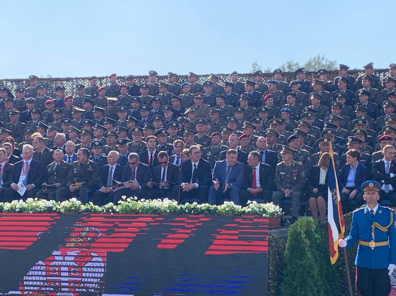 Dok Vuèiæ i Medvedev mirno stoje, Dodik i Vulin nisu krili emocije! (FOTO)