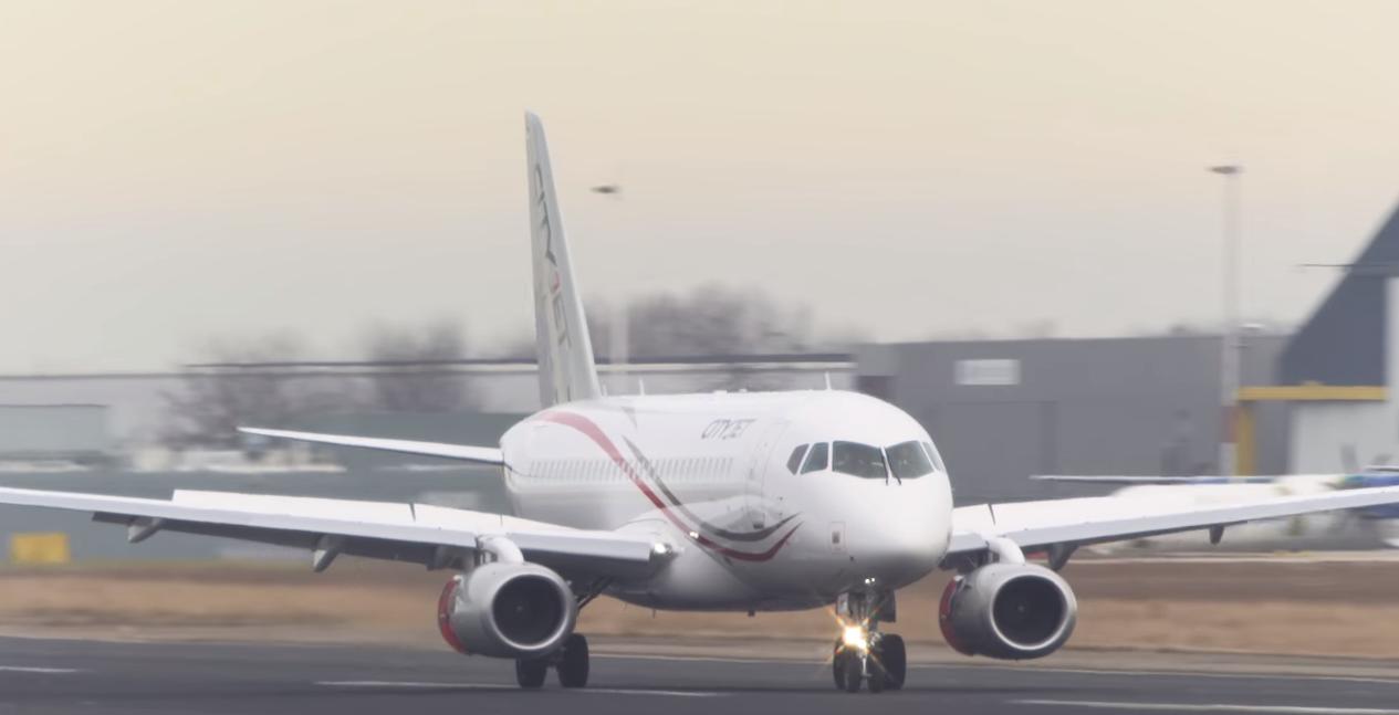 Dve aviokompanije pregovaraju o kupovini aviona