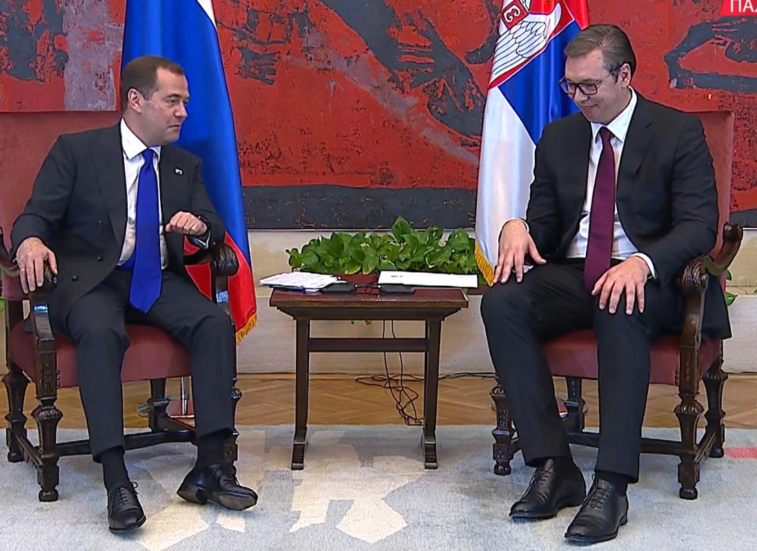 Premijer Rusije zahvalio se predsedniku Srbije na pozivu i gostoprimstvu (FOTO)