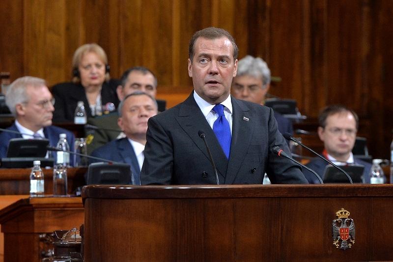 Medvedev upozorio Srbiju: Spremite se za najgori scenario!
