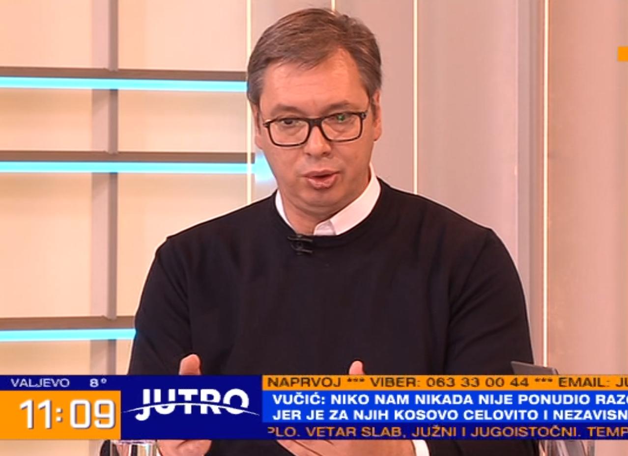 Predsednik Vuèiæ najavio poveæanja plata medicinarima i doktorima! Penzonerima po 5.000 dinara!