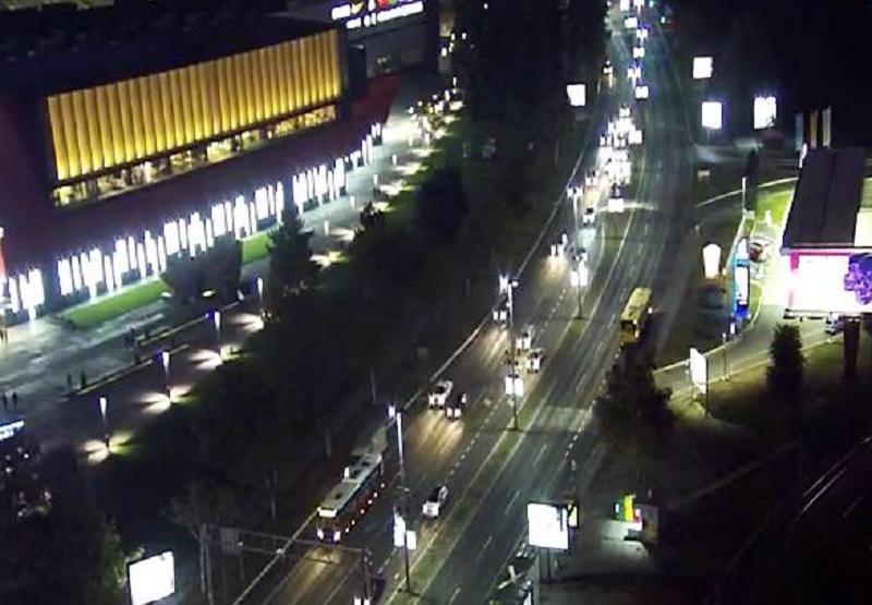 Napeta situacija! Stigle velike policijske snage! Zaustavljen saobraæaj od SIV-a do Brankovog mosta!