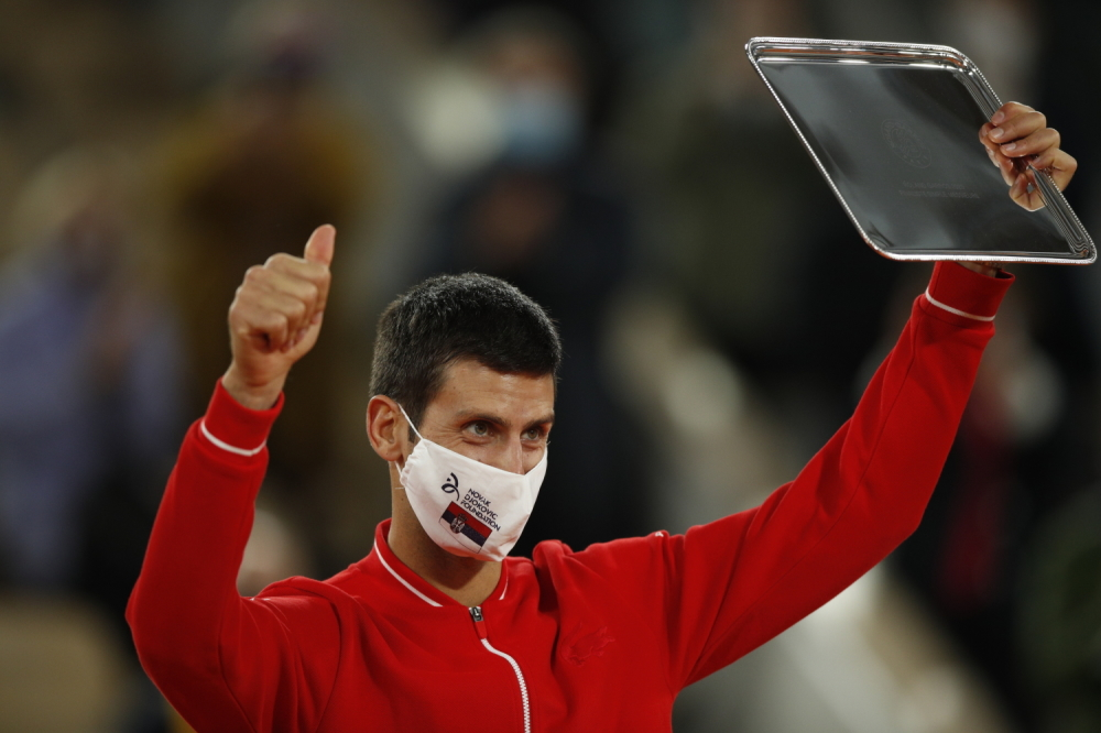 Novak Đoković stavio četnički simbol na masku protiv korone Nolo01%20EPA%20Yoan%20Valat_1000x0