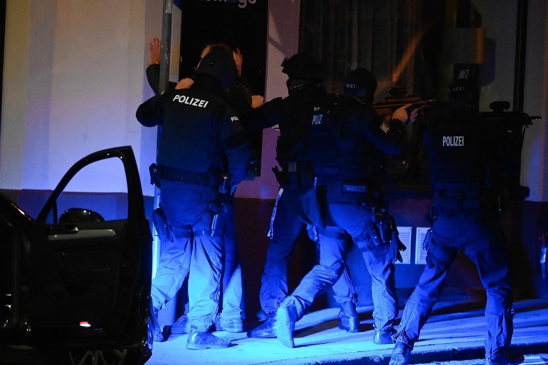 Teroristi ubijali ljude na šest lokacija, JEZIVE PRETNJE ISLAMISTA