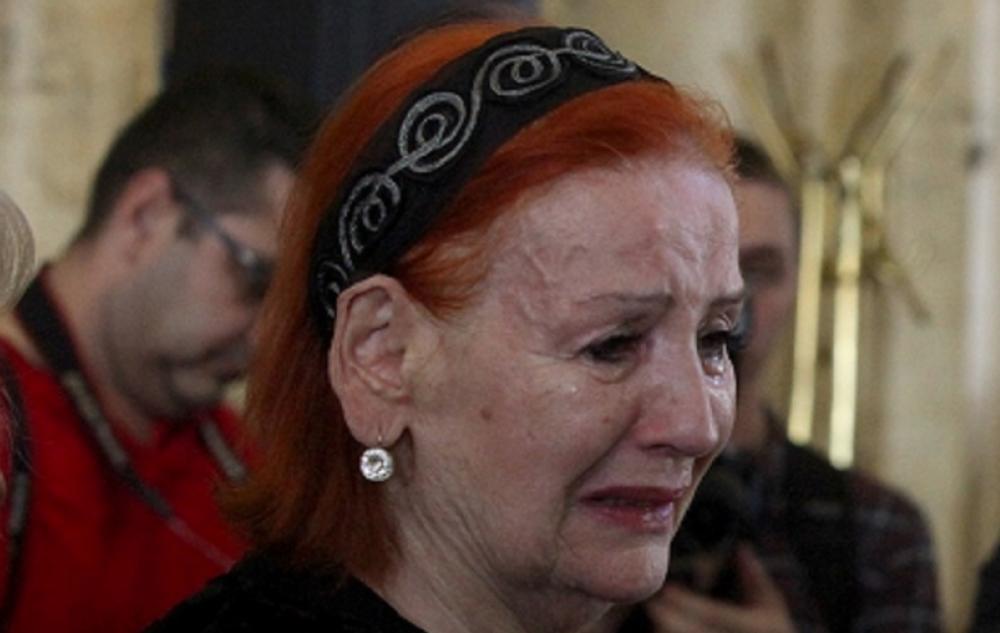 Tužna priča krije se iza pogleda Lepe Lukić, bolne detalje abortusa i teške  prošlosti pevačica jedva izgovorila! (VIDEO) - Alo.rs