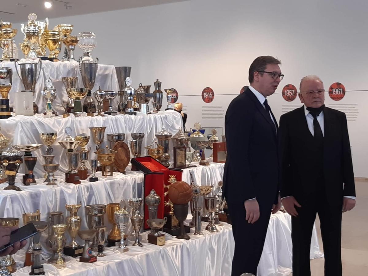 Predsednik Vucic Na Dodeli Plakete Za Zivotno Delo Dudi Ivkovicu Foto Video Alo Rs